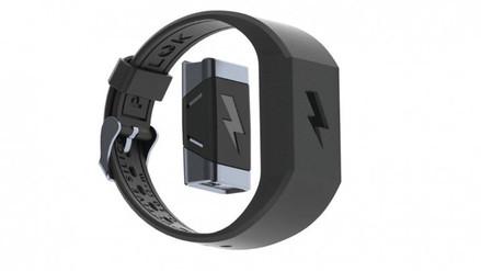 Una pulsera envía descargas eléctricas para que no gastes tu sueldo