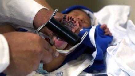 EsSalud presenta sistema de identificación para evitar confusión de bebés