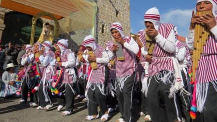 Realizan concurso de sicuris previo a la fiesta de la Virgen de la Candelaria