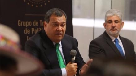 Ministro de Cultura propone alianza con los medios de comunicación televisivos