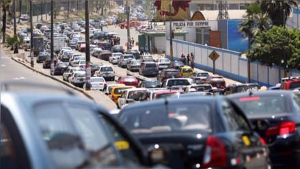 ¿De qué país importa más vehículos el Perú?