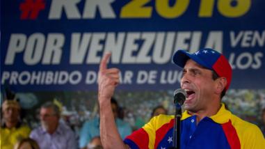 Contraloría venezolana abre investigación contra Henrique Capriles