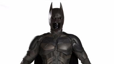Batman: millonaria adquisición del traje de la cinta de Christopher Nolan