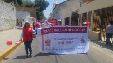 Diversas instituciones de Piura marcharon por el mes de la Democracia