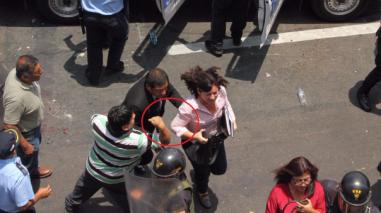 Trujillo: golpearon a regidora en protesta de trabajadores ediles