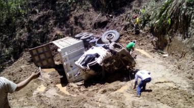 Chanchamayo: chofer se salva de morir tras accidente de tránsito