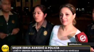 Mujer ebria que atacó a policía en San Isidro fue denunciada penalmente