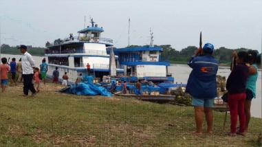 Dos fiscales retenidos por pobladores indígenas en el río Marañón