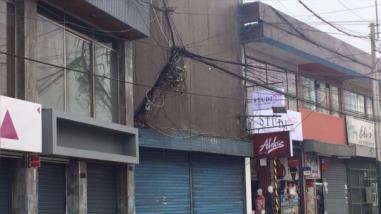 'Telaraña' de cables es un peligro en Surco