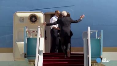 YouTube: a Barack Obama solo lo hace esperar una persona... Bill Clinton