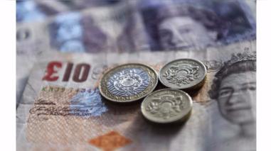La libra esterlina se derrumbó tras conocerse fecha del Brexit