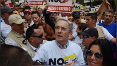 Álvaro Uribe no asistió a la reunión convocada por el presidente Juan Manuel Santos