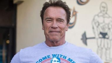 Arnold Schwarzenegger: su padre lo golpeaba porque pensaba que era gay