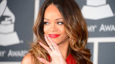 Rihanna presume su radical cambio de look