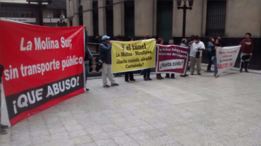 Vecinos de La Molina protestan por falta de transporte público en la zona sur
