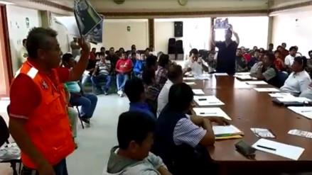 Dirigentes de construcción civil se gritaron