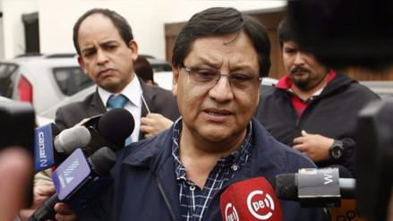 Exministro dice que comisión de transferencia alertó sobre caso Carlos Moreno