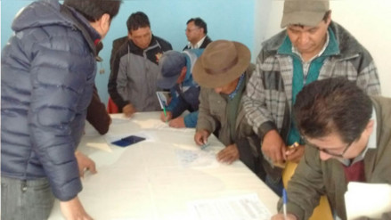 Instalan mesa de diálogo por conflicto minero en Ocuviri