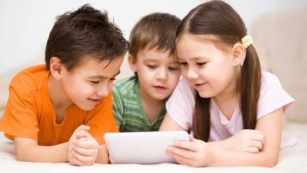 Niños: Por qué no debes entretenerlos con una tablet