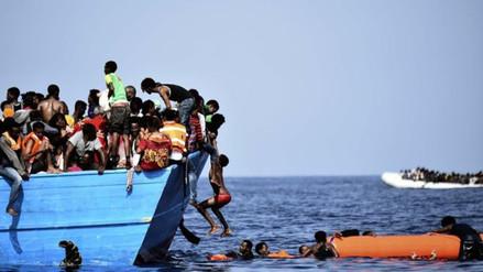 El dramático rescate de un barco con inmigrantes africanos en el Mediterráneo
