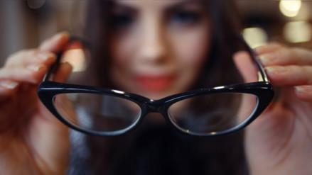 Cuida tus ojos: parpadear, lavar las pestañas y más