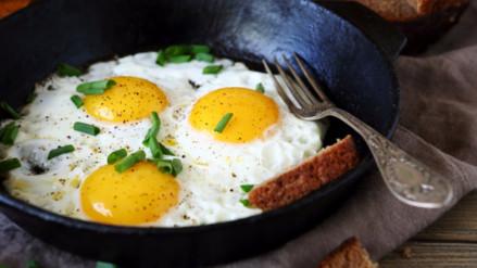 Día del Huevo: especialistas recomiendan comer un huevo diario