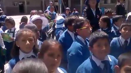 Concepción: obligan a escolares a escuchar charla a pesar de altas temperaturas
