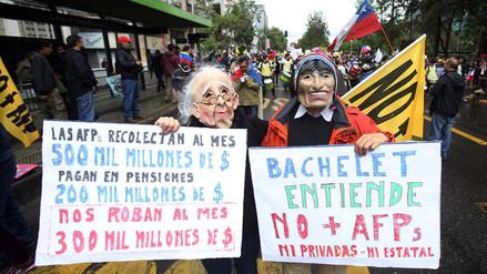 Miles de chilenos volvieron a protestar contra las AFP en todo el país