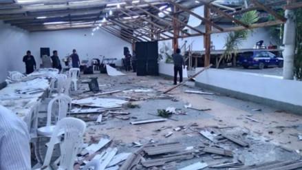 Ancash: Fuertes vientos destruyen techo de un local en Carhuaz