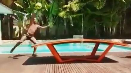 Video: Ronaldinho demostró toda su calidad jugando teqball