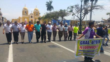 Grave denuncia: policías cobran cupos a transportistas