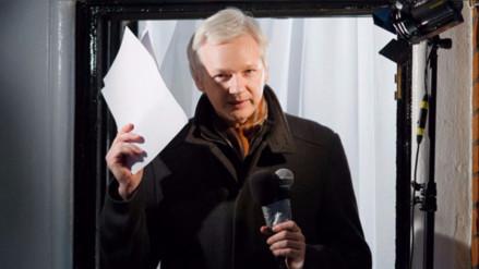 Ecuador reconoce que restringió el acceso a internet a Julian Assange