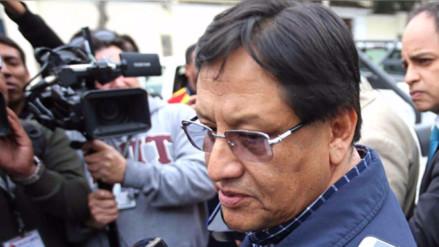 Piden orden de impedimento de salida para Carlos Moreno