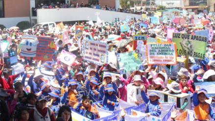 Huancayo: escolares marchan por el 'Día del Ahorro de Energía'