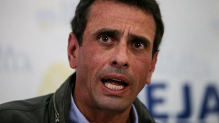 Prohíben la salida de Venezuela a Capriles y a otros opositores