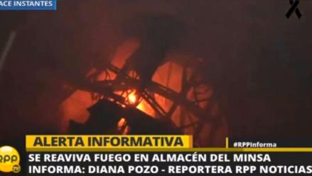 Los Bomberos confirman que fuego se reavivó en fábrica y almacén del Minsa
