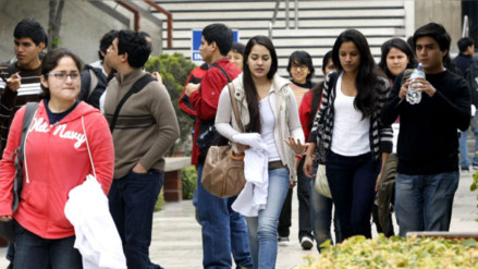 CAF: Jóvenes peruanos tardan 12 meses en encontrar un trabajo que les guste