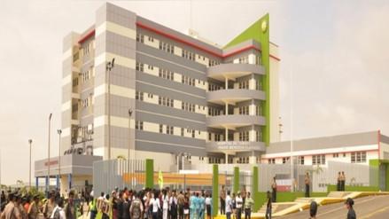 Evacuarán a trabajadores y pacientes del hospital regional por riesgo de colapso