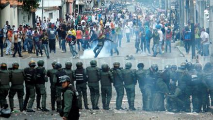 Gobierno de Venezuela confirma un muerto durante protestas contra Maduro