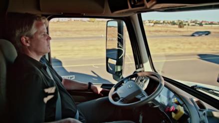 Un camión autónomo cruzó Colorado cargado de cerveza
