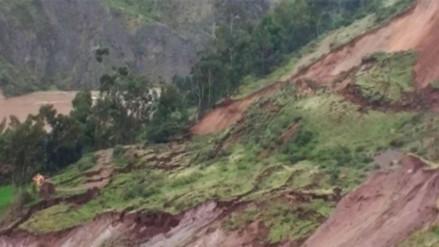 Huancavelica: deslizamiento interrumpe vía en la provincia de Tayacaja