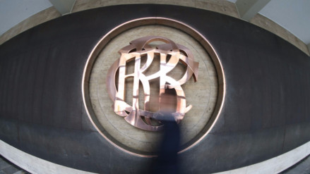 ¿Qué hace un director del BCR y qué impacto tienen sus decisiones?