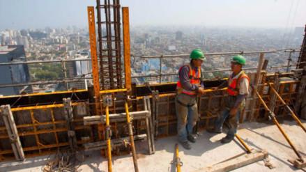 Construcción retomó caída en septiembre por menor consumo de cemento