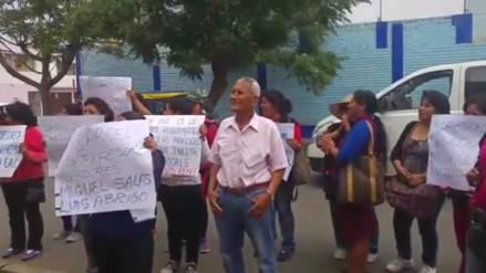 Huaral: padres exigen captura de profesores acusados de violación a alumna