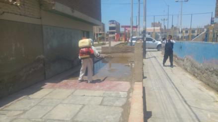 Chiclayo: fumigan viviendas colapsadas por desagües en JLO