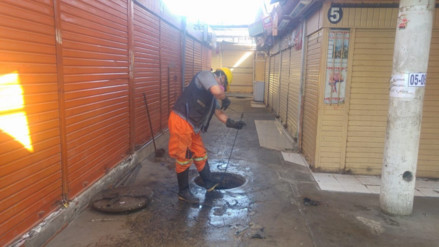 Realizan jornada de limpieza y desinfección en mercado Modelo de Chiclayo