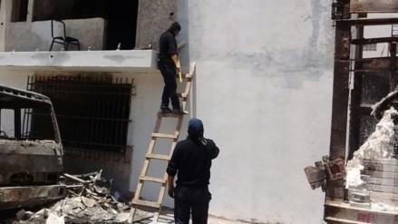 Juliaca: realizan limpieza de local policial afectado por incendio