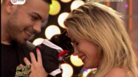 Reyes del Show: Coto Hernández le regala cachorro a Leslie Shaw