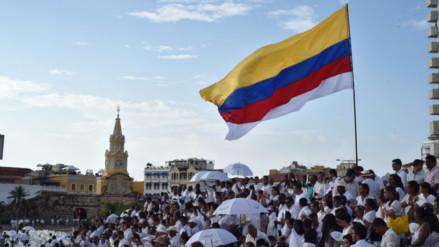 Colombia y las FARC revisan temas de justicia y tierras para nuevo acuerdo