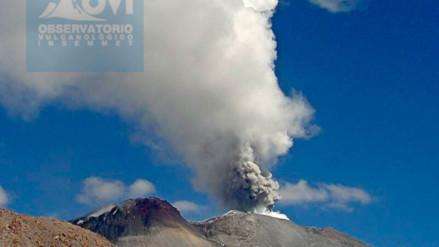 Alertan caída de cenizas tras explosión en el volcán Sabancaya
